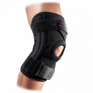 KNEE SUPPORT WITH STAYAS & CROSS STRAPS